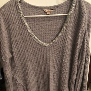 LN long sleeve Juicy Couture Gray sparkly v-neck